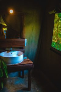 Gaga Bees bathroom, Glamping experience