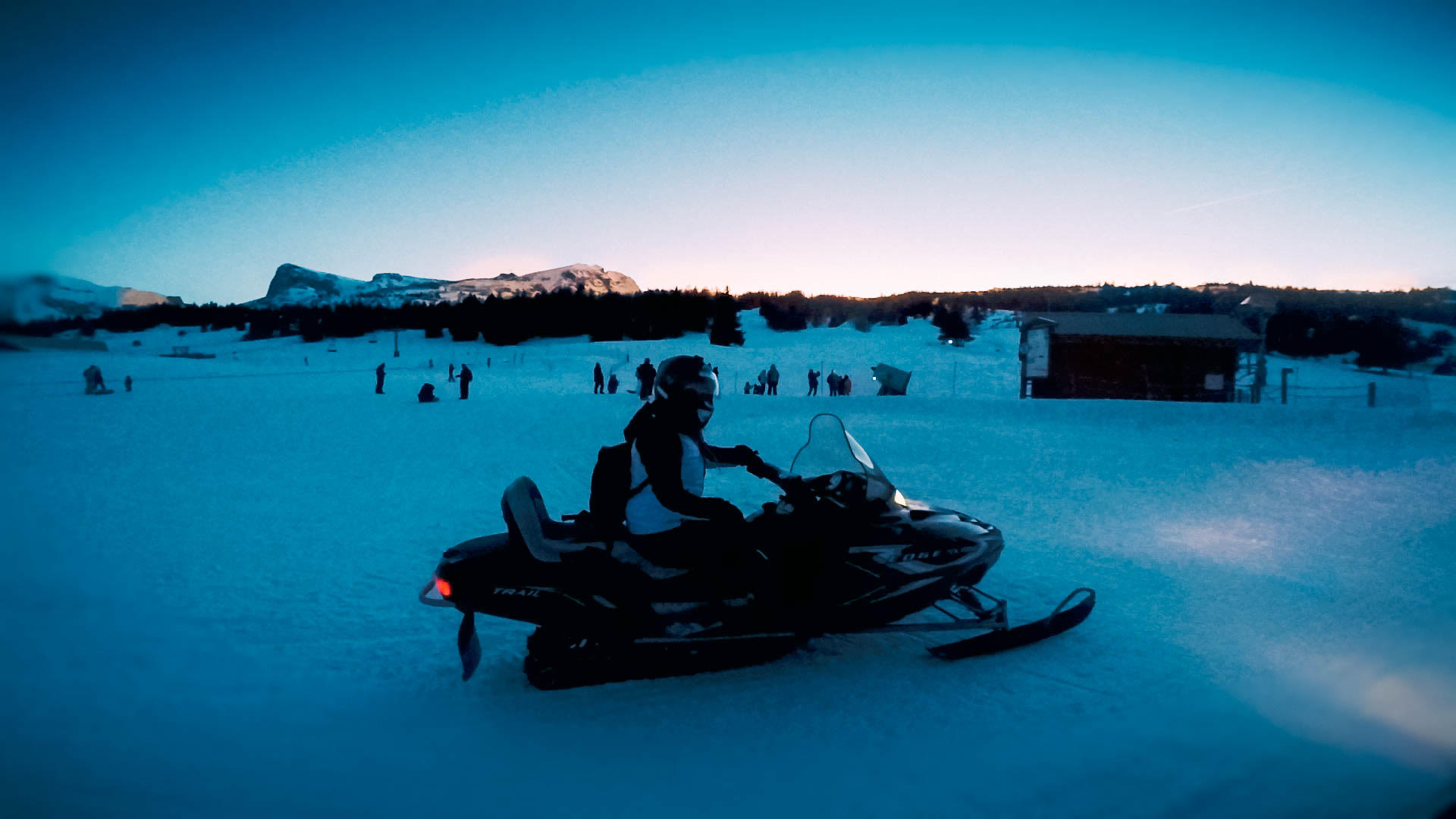 things to do Le Dévoluy snowmobile