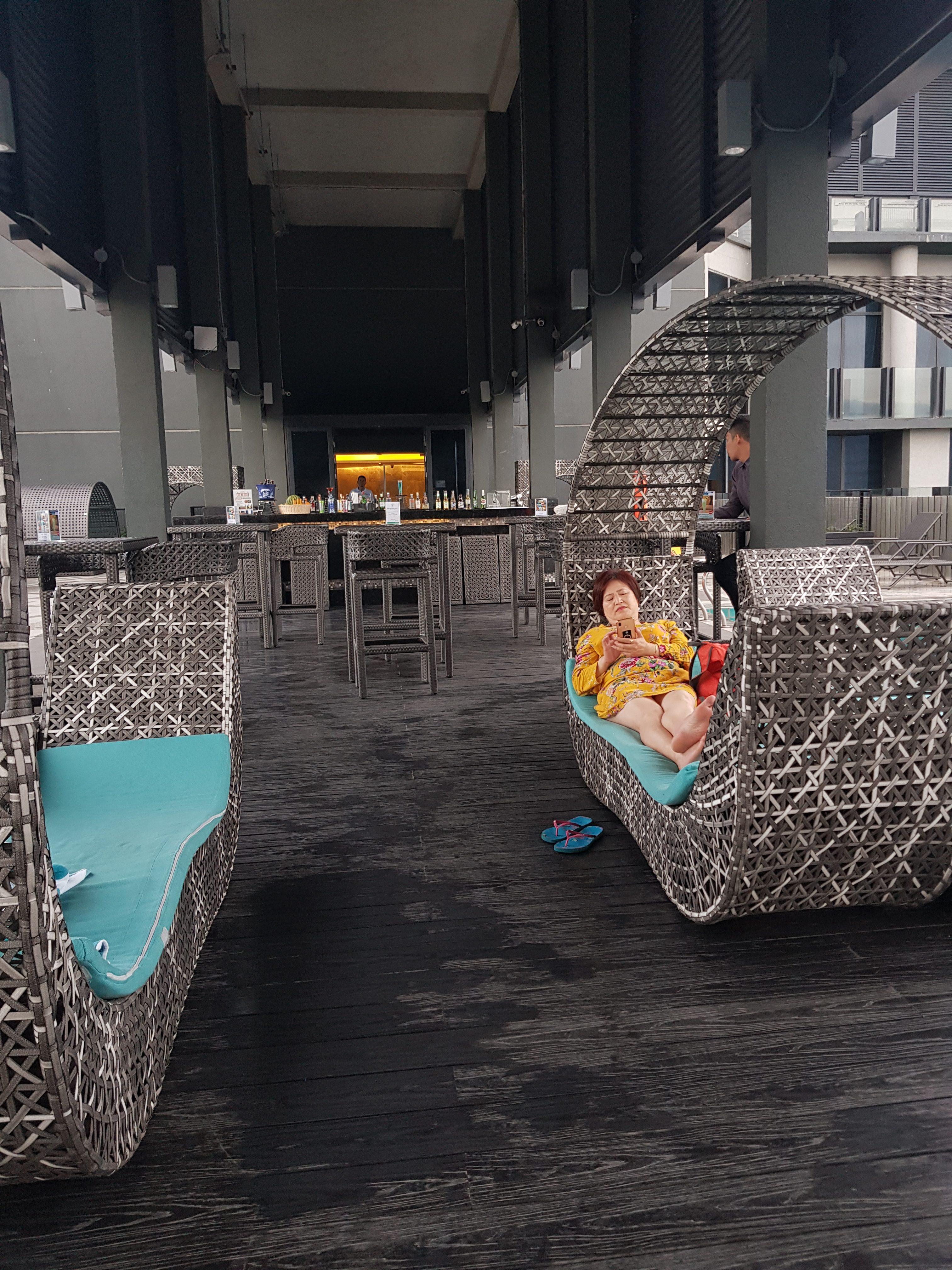 pool bar bai hotel